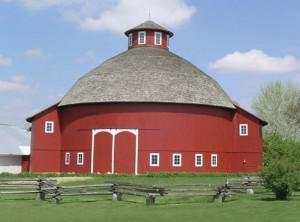 Amish Acres Barn