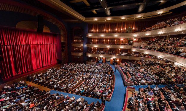 Minnesota Theater Fills the House