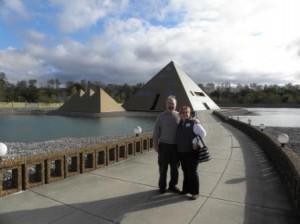 Gold Pyramid House – Jim Onan and Jayne Nordstrom