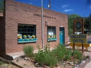 tn_Jemez Springs Art Gallery