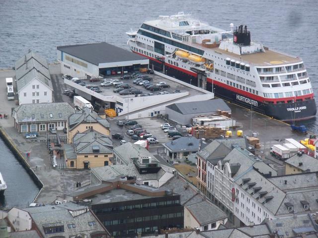 Hurtigruten Alesund
