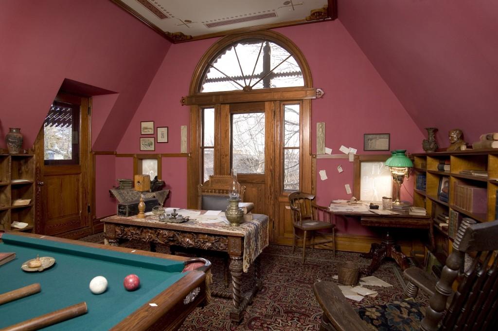 Mark Twain Billiard Room
