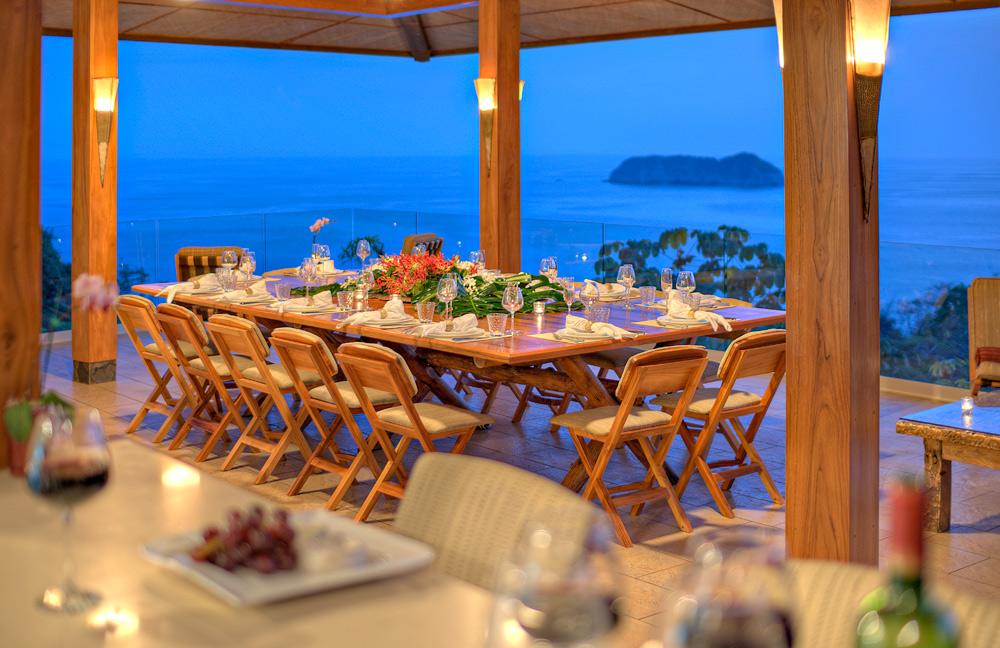 Punto de Vista - Dining Room
