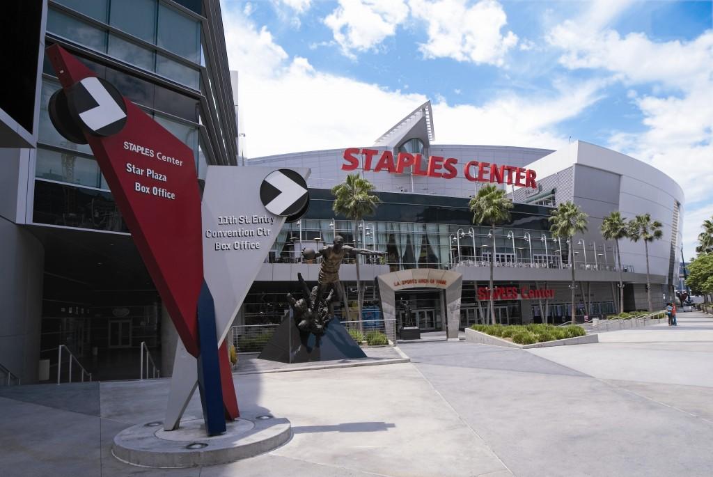 Downtown L.A.s Staples Center