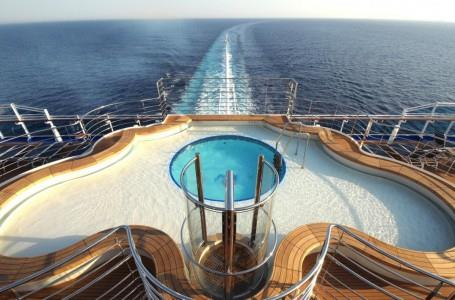 Terrace Pool on Regal Princess (photo courtesy of Princess Cruises)