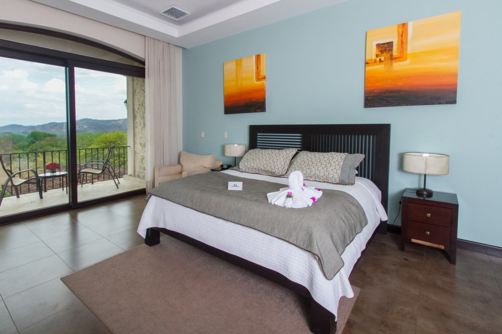 Second Floor Ocean View Room. Photo Courtesy of Villa Buena Onda.