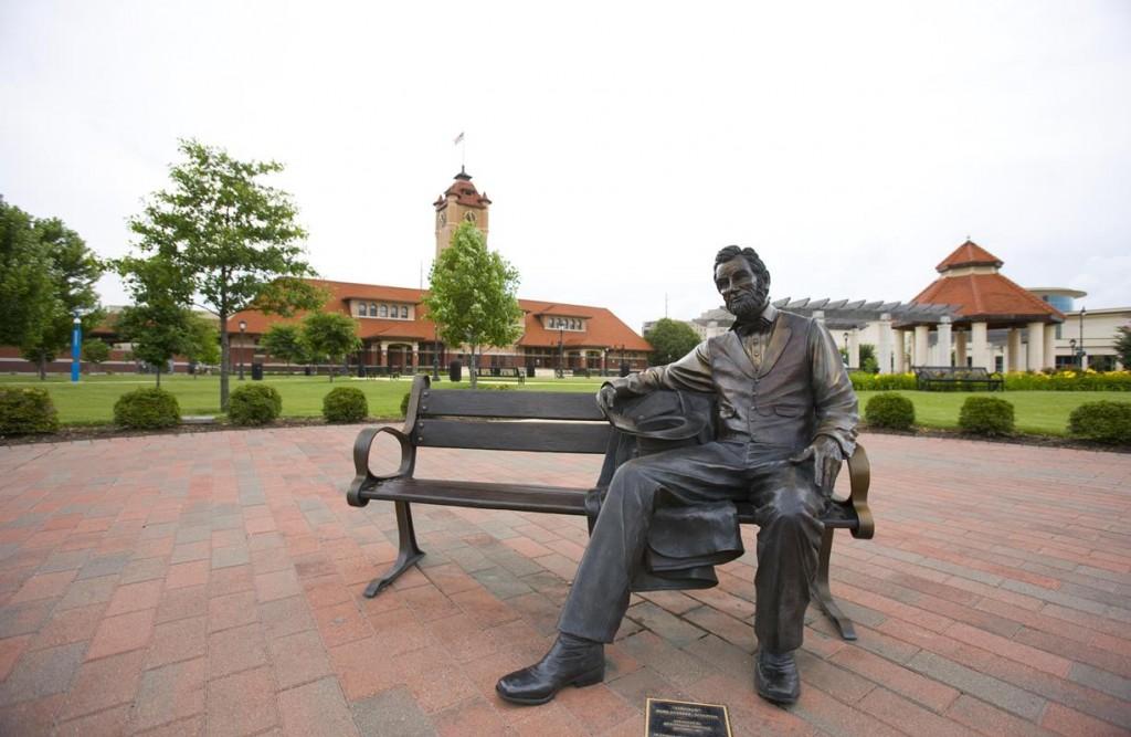 Lincoln Statue in Springfield