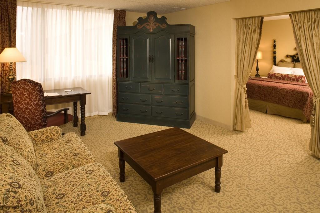 Hotel Encanto Alcove Suite courtesy Hotel Encanto de Las Cruces