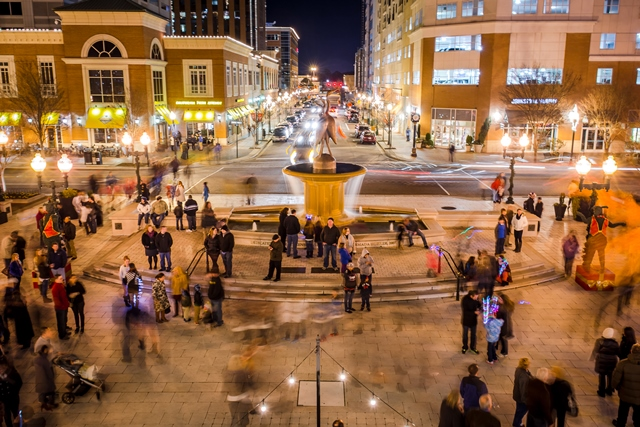 Virginia Beach Town Center. Credit: Virginia Beach CVB