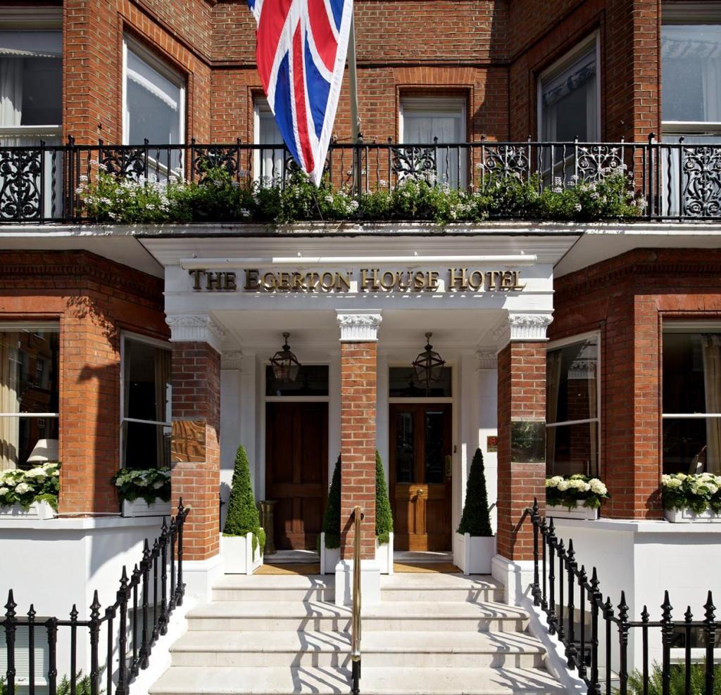 london s egerton house hotel. Black Bedroom Furniture Sets. Home Design Ideas