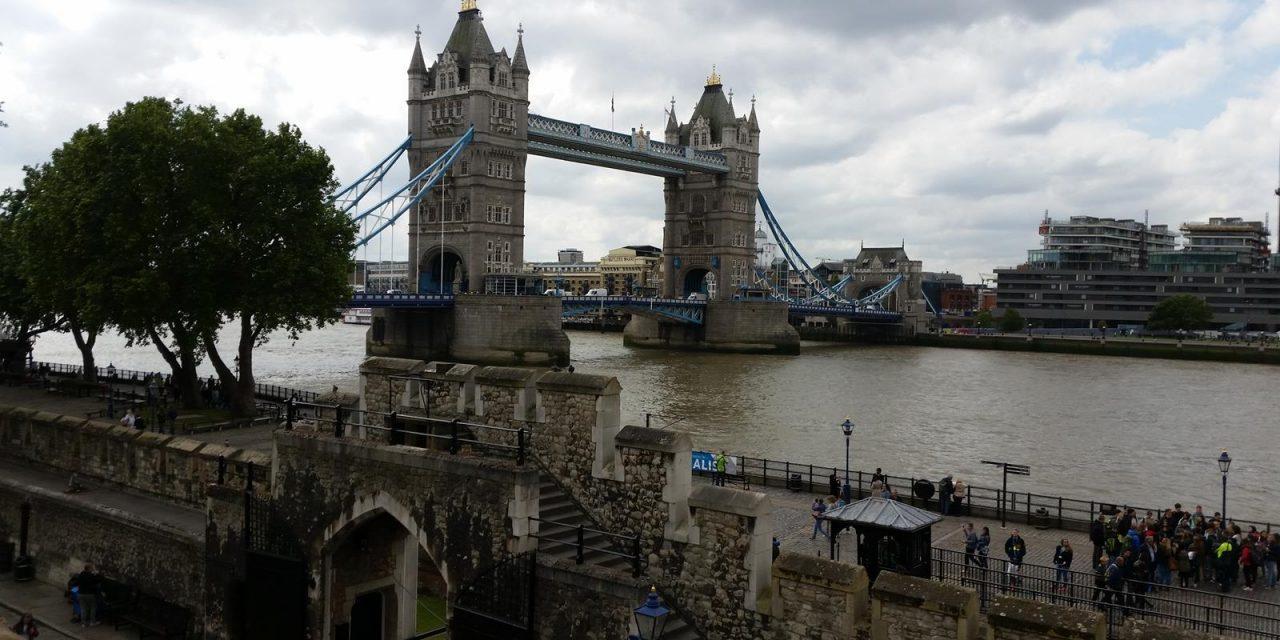 London Captivates Group Travelers