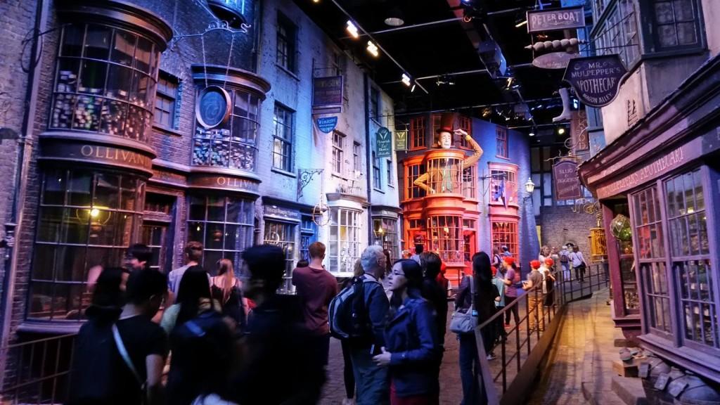 Muggles invade Diagon Alley