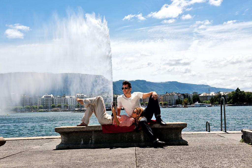 Switzerland. get natural. On the shores of Lake Geneva at the Quai Mont Blanc, the trendy Paquis district, is the place where you can relax excellent. In the background, the symbol of Geneva, the Jet d'Eau (Fountain). Schweiz. ganz natuerlich. Am Ufer des Genfersees am Quai des Mont Blanc im Genfer Trendquartier Paquis laesst es sich vorzueglich ausspannen. Im Hintergrund das Wahrzeichen von Genf, der Jet d'Eau. Suisse. tout naturellement. Sur les rives du lac Leman dans le quartier des Paquis, il peut etre relaxant excellent. Dans le fond, le symbole de Geneve, le Jet d'Eau. Copyright by: Switzerland Tourism - By-Line: swiss-image.ch/Gian Marco Castelberg & Maurice Haas