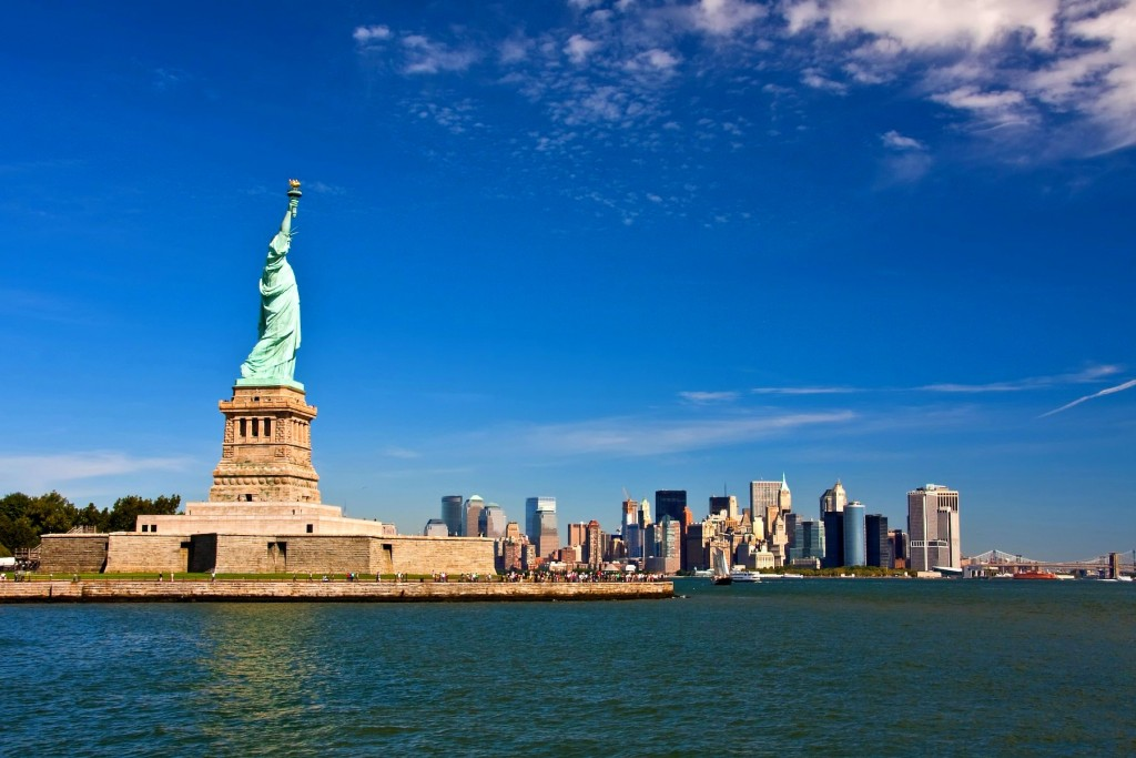 Diamond Tours offers NYC group trips