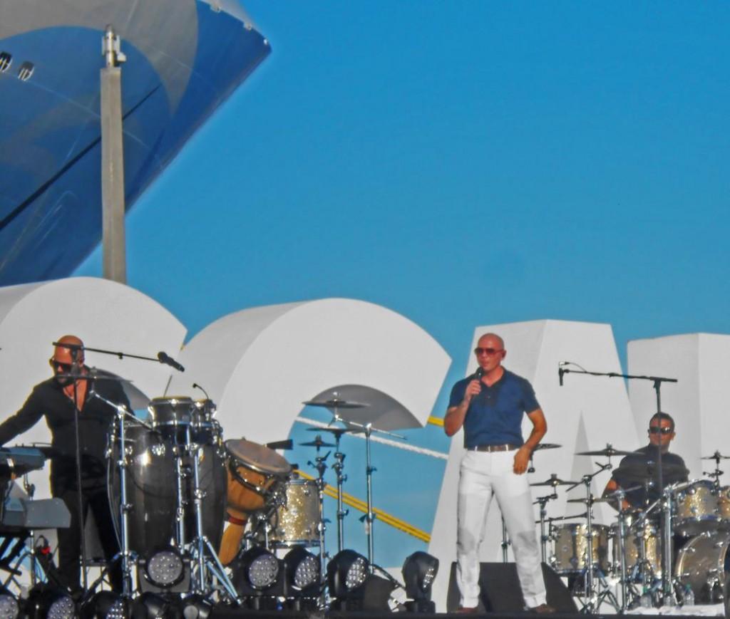 Pitbull_Christening Concert_9Nov2015 (Copy)
