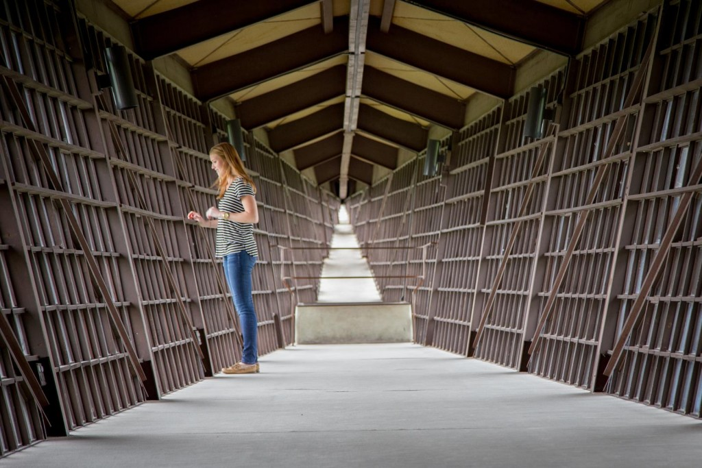 USE Girl at End of Infinity Room, House on Rock