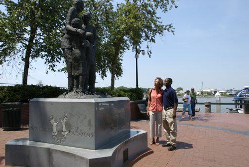 African American Monumnet _Riverstreet