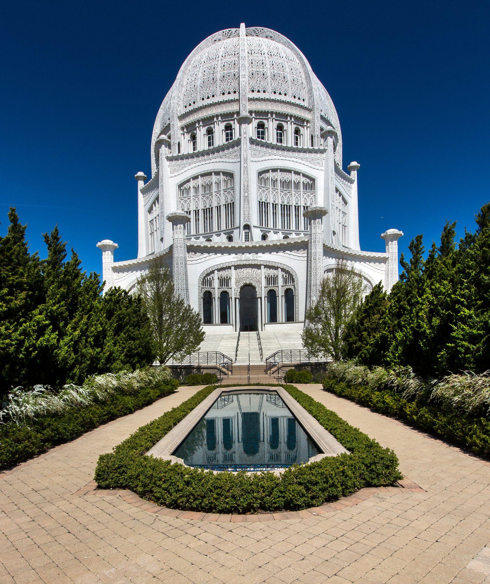 Midwest Itinerary: Historic Gems Along Lake Michigan, Incredible Edibles & Art Awareness