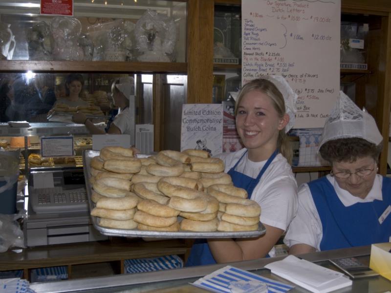 Pella bakery