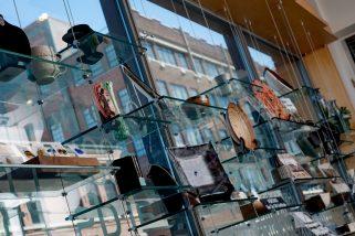 spiva-gift-shop-wall-horizontal-shopping