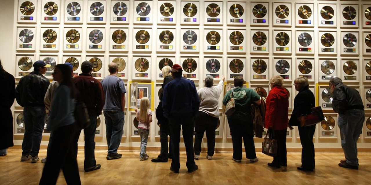seven must experience country music hall of fame group tours rh leisuregrouptravel com country music hall of fame and museum tours country music hall of fame and museum coupons
