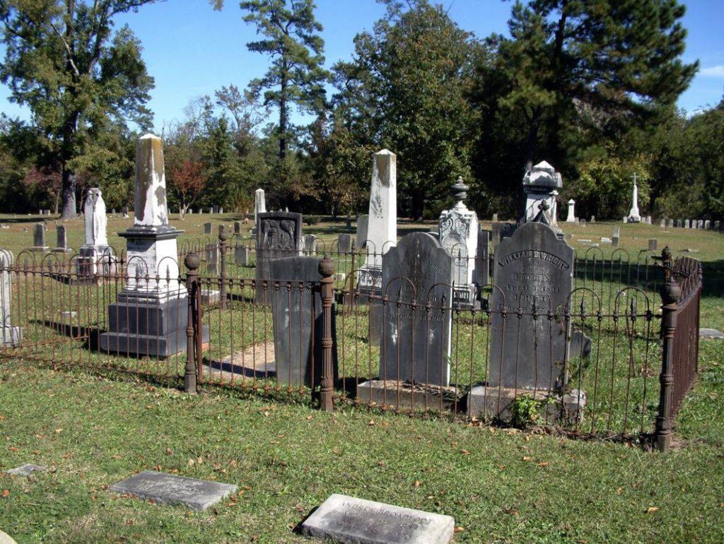 cross-creek-cemetery_1064x800