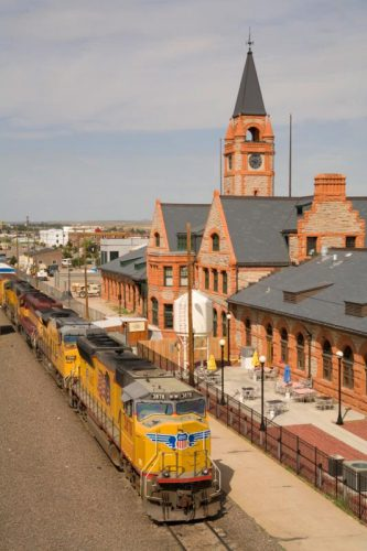 depot-and-train_533x800