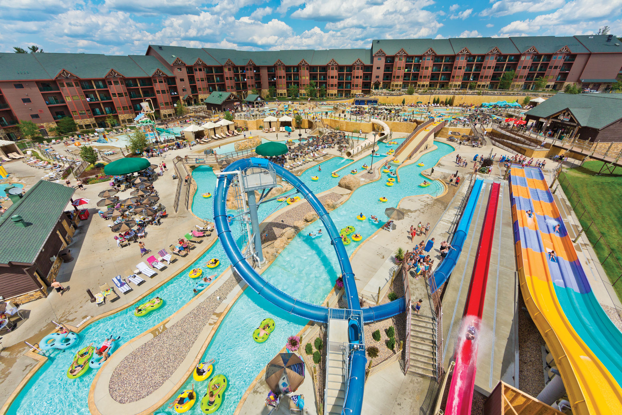 wisconsin dells Book the ho-chunk casino hotel - wisconsin dells - this family-friendly baraboo resort is located near the airport, within 3 mi (5 km) of international crane foundation and wisconsin dells wisconsin opry knuckleheads bowling and family entertainment center and canyon creek riding stables are also within 6 mi (10 km.