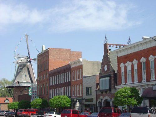 Pella downtown
