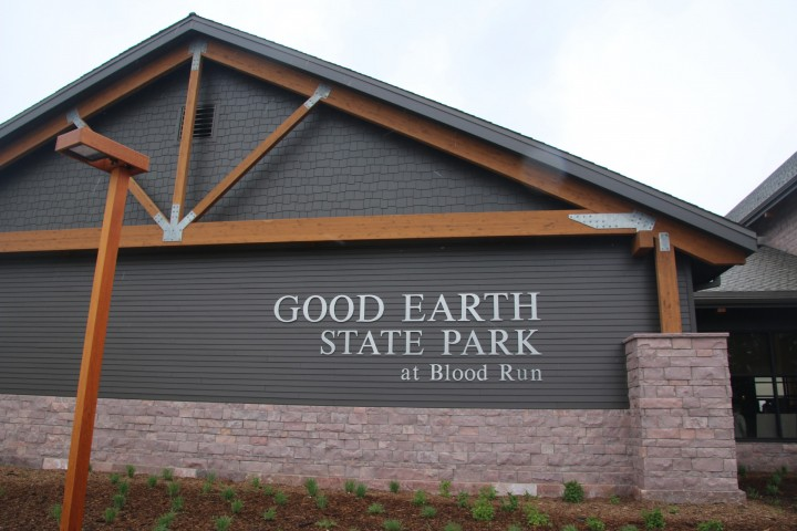 New Visitor Center Opens at South Dakota Park