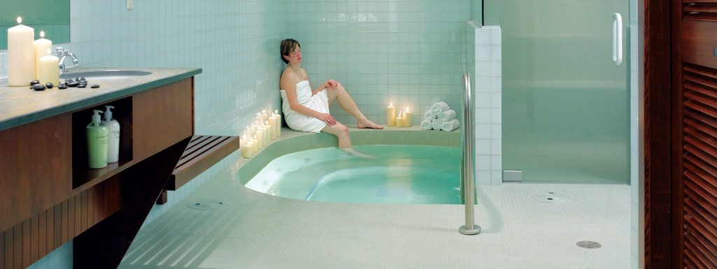 Spa-whirlpool-and-steam-room
