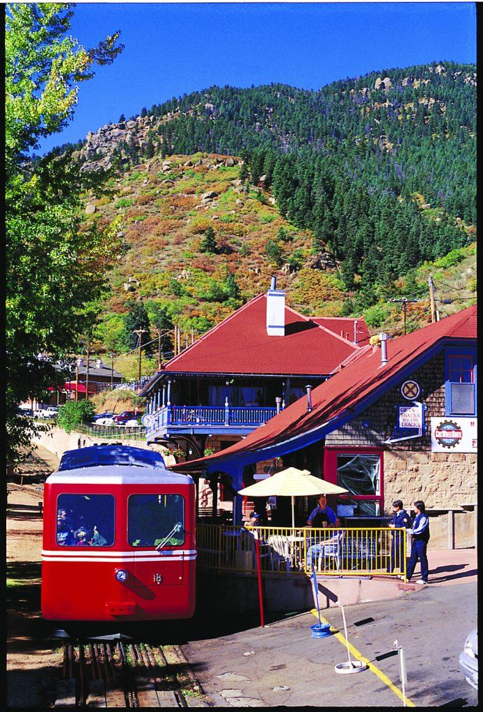 Train Rides in Colorado - Broadmooor Pikes Peak