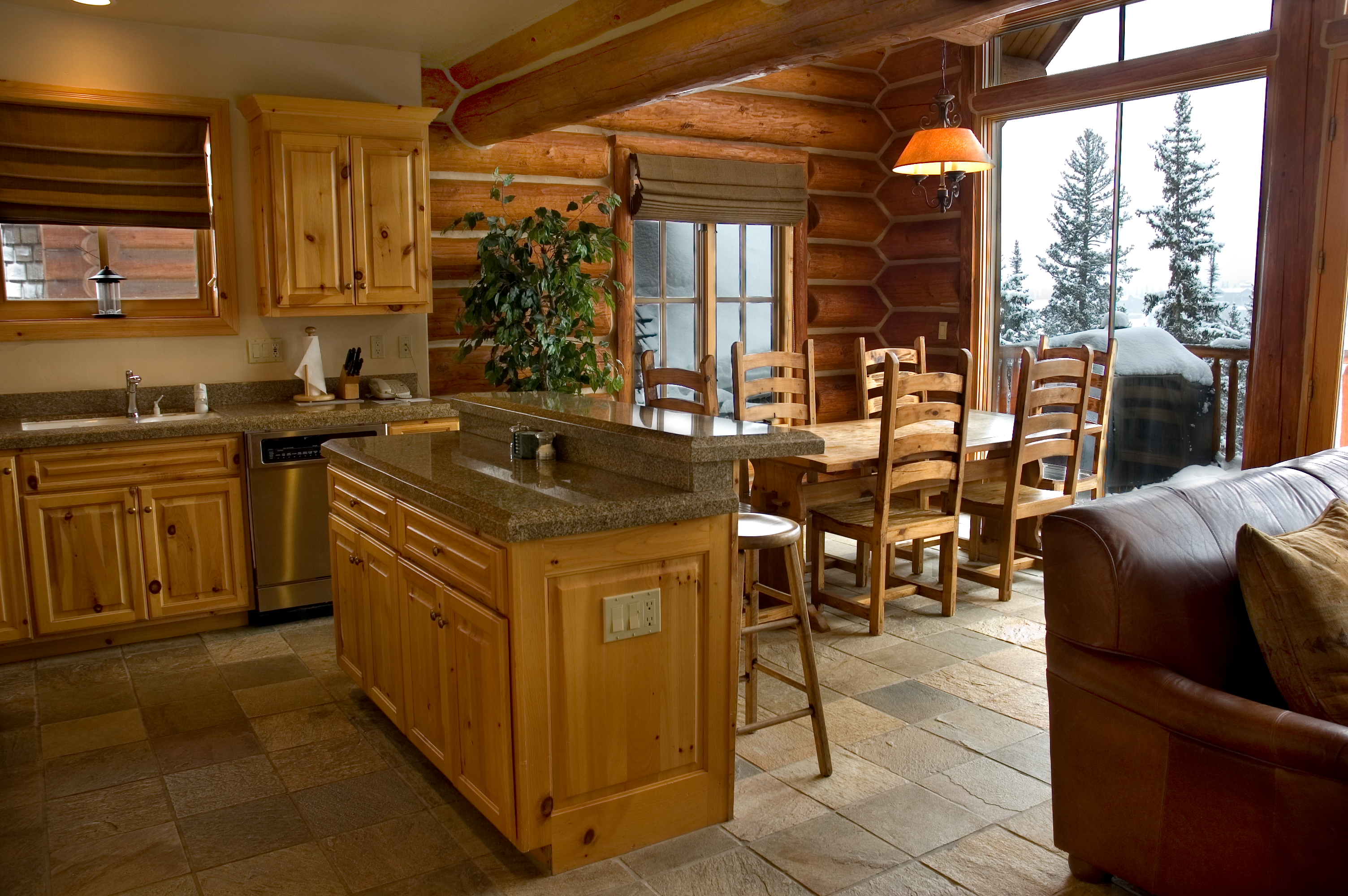 Cabin-kitchen-dining-area