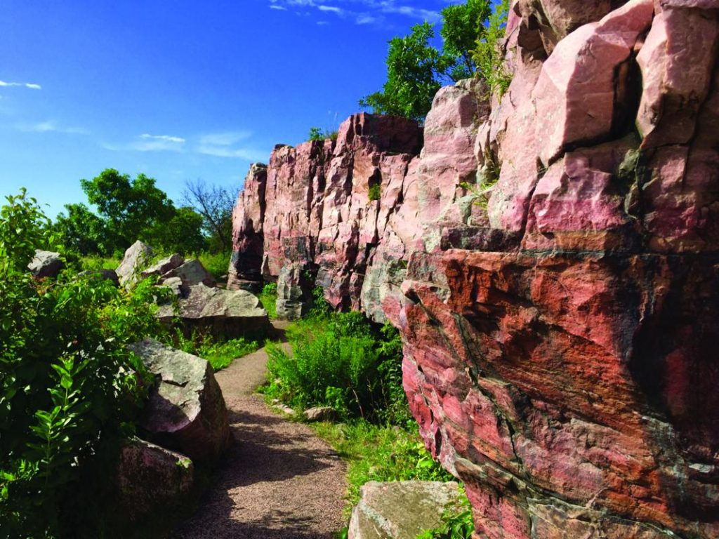 Circle Trail Quartzite Ridge Summer