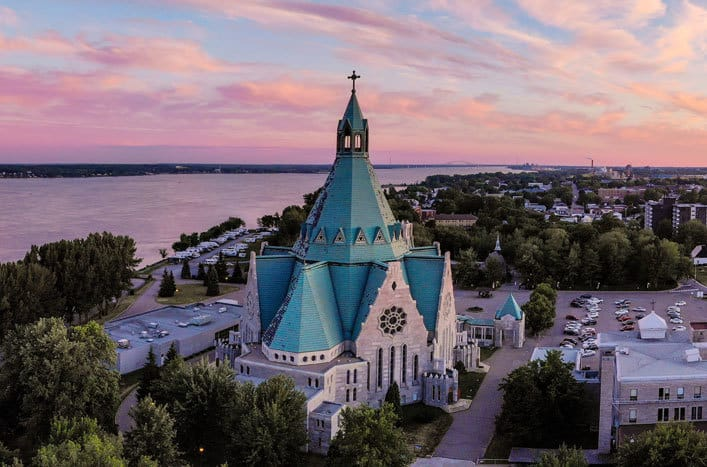 Five Must See Québec National Shrines