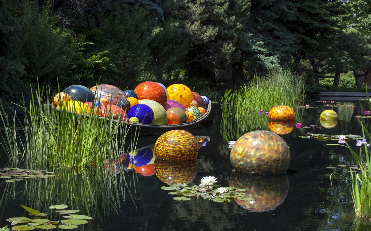 Dale Chihuly, Float Boat