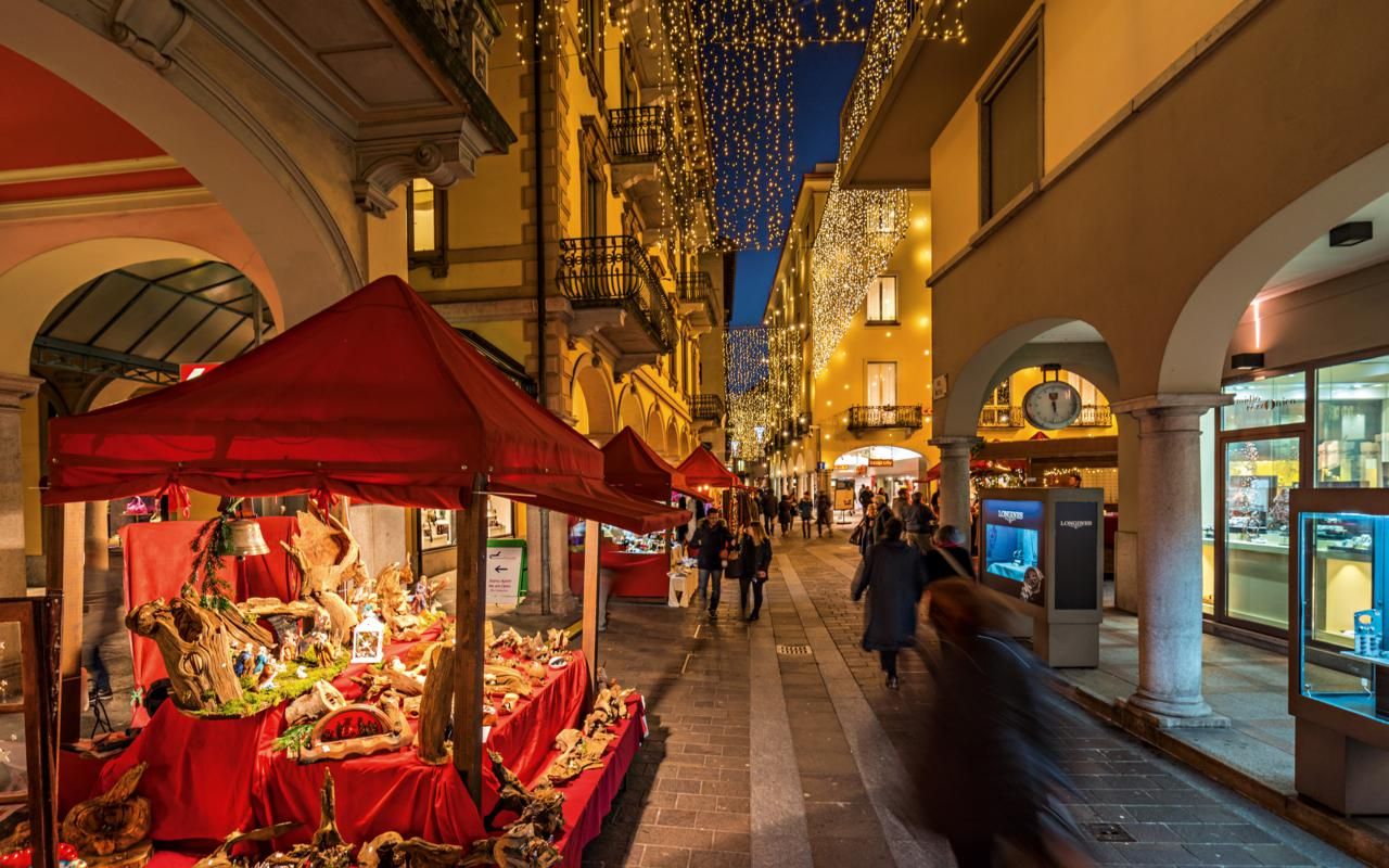 Switzerland Cities: Lugano, Weihnachtsmarkt