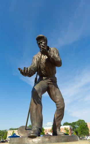 Tupelo's Elvis Presley statue