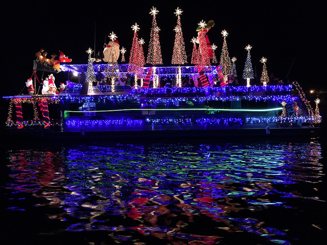 Alabama's Coastal Christmas Makes the Season Bright