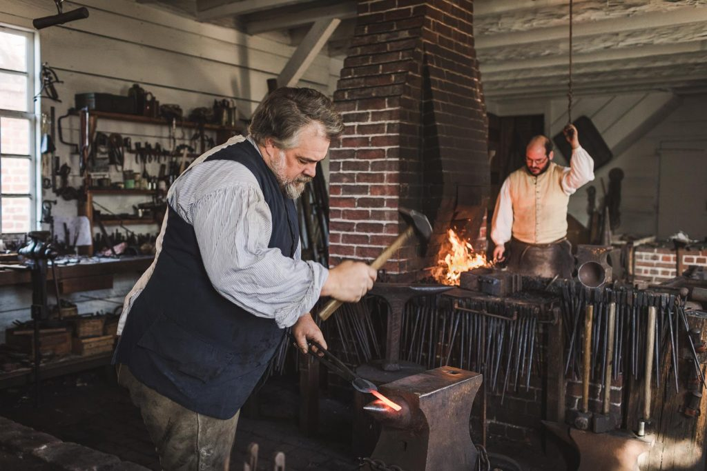 Hardcastle-Family_Blacksmith_Ox-Cart_Williamsburg-VA_December-2018_TheVacationChannel_CWF-027-qh-15200897