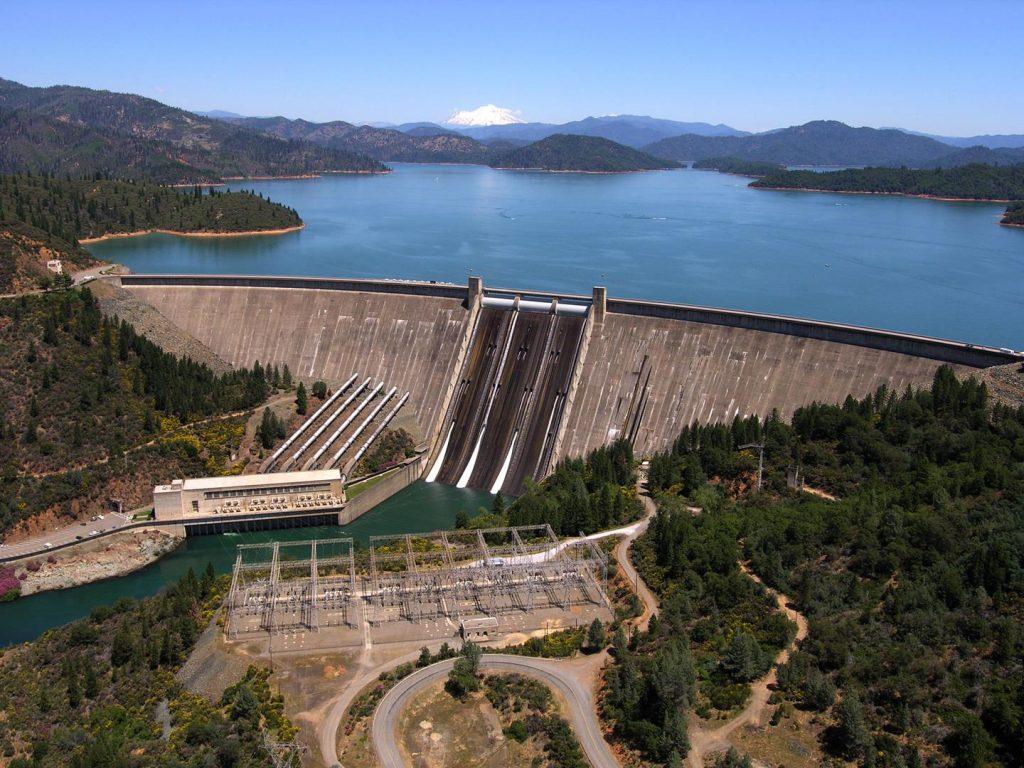 Shasta Dam Lake