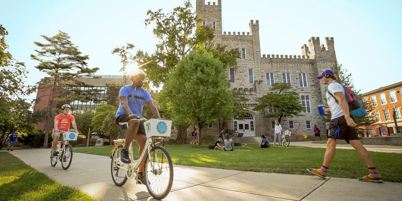 Take a Tour of Illinois' College Towns
