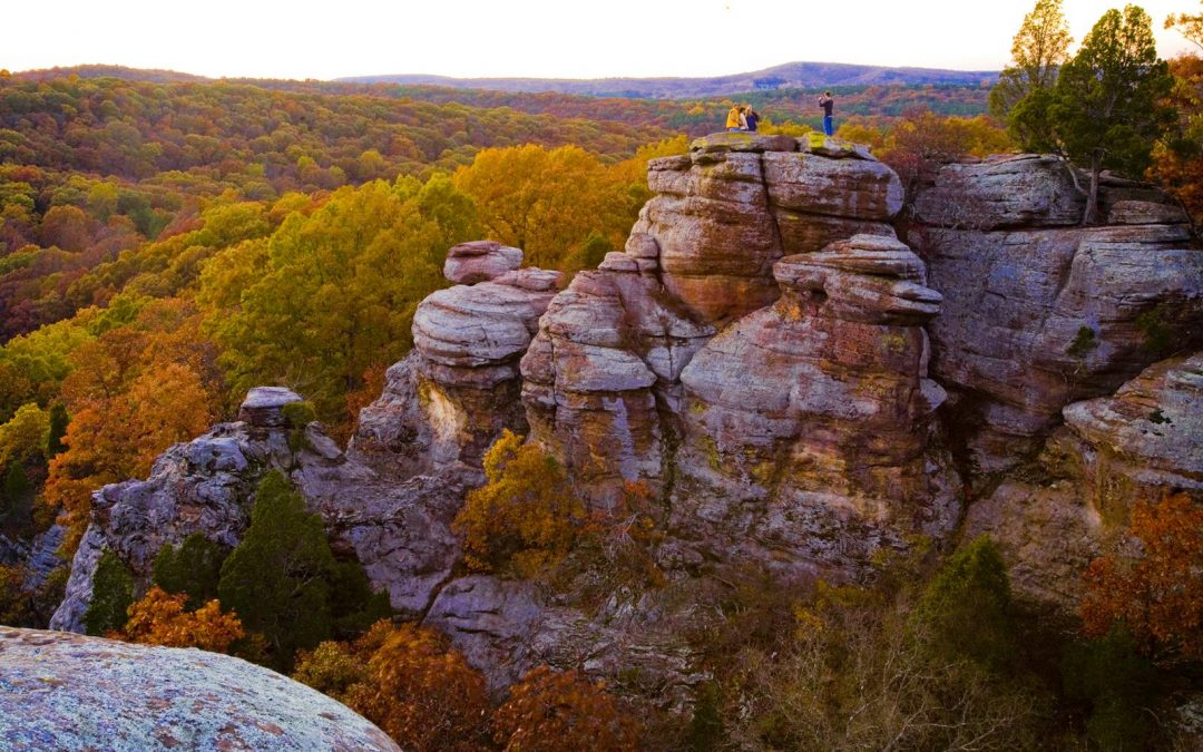 Garden-of-the-gods-Shawnee-sunset