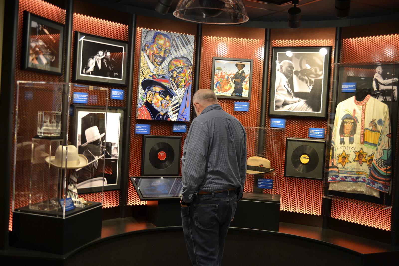 Blues Hall of Fame depicts history of popular blues singers and blues culture.