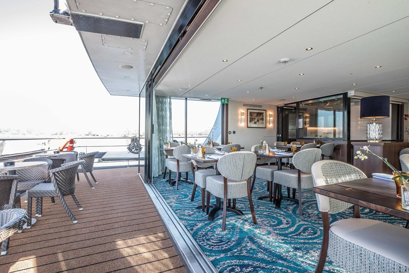 MS George Eliot bistro 2 - Courtesy of Riviera River Cruises