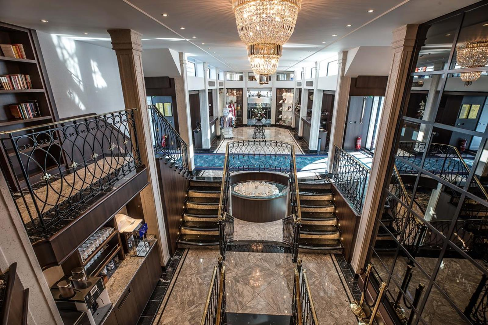 MS George Eliot lobby 1 - Courtesy of Riviera River Cruises