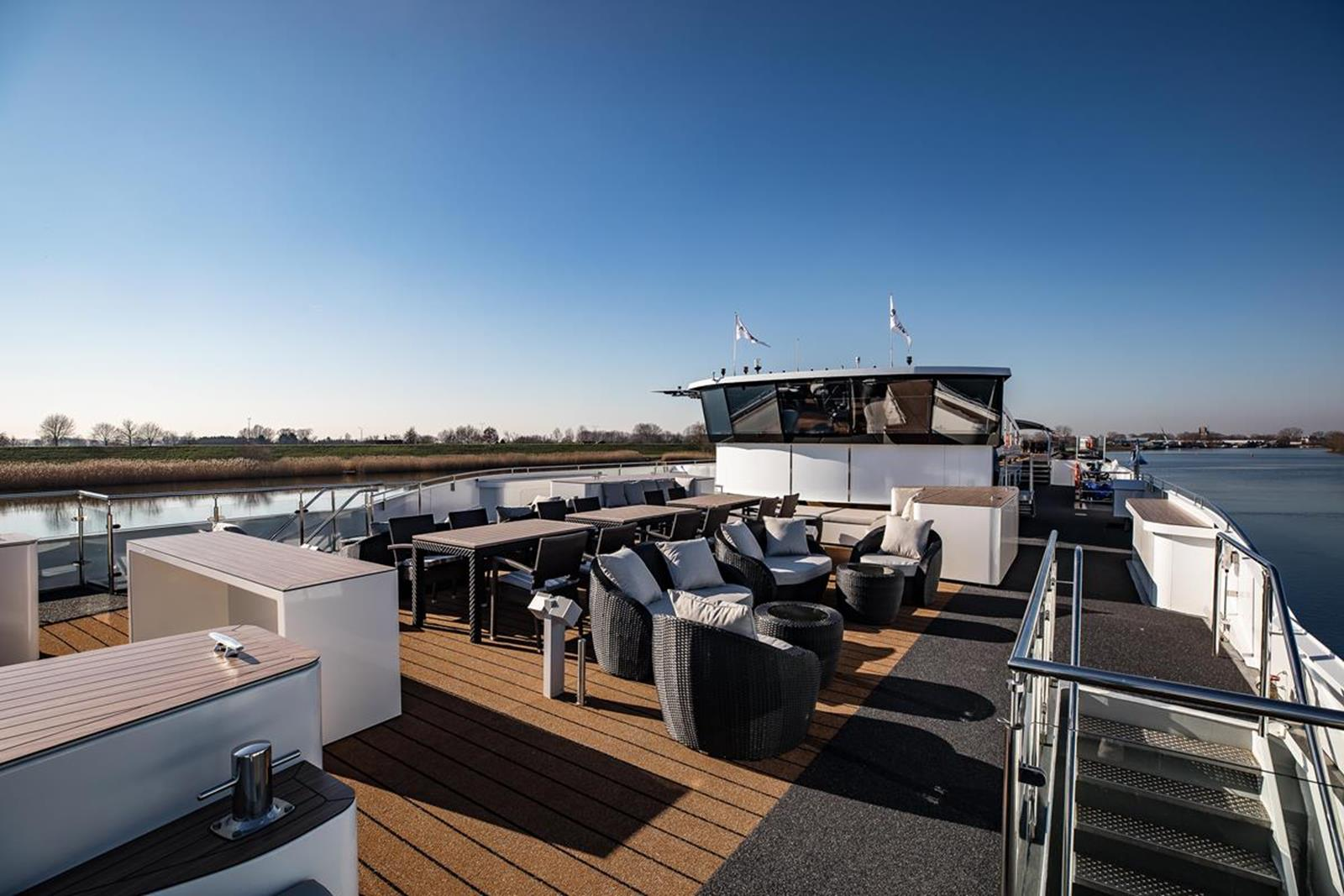 MS George Eliot sun deck 2 - Courtesy of Riviera River Cruises