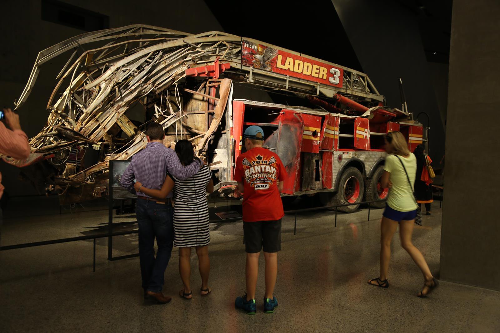 911Memorial_fire truck