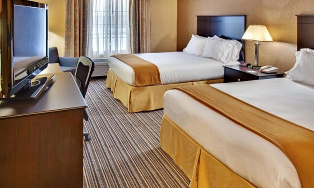 Experience the Comforts of Holiday Inn Express & Suites