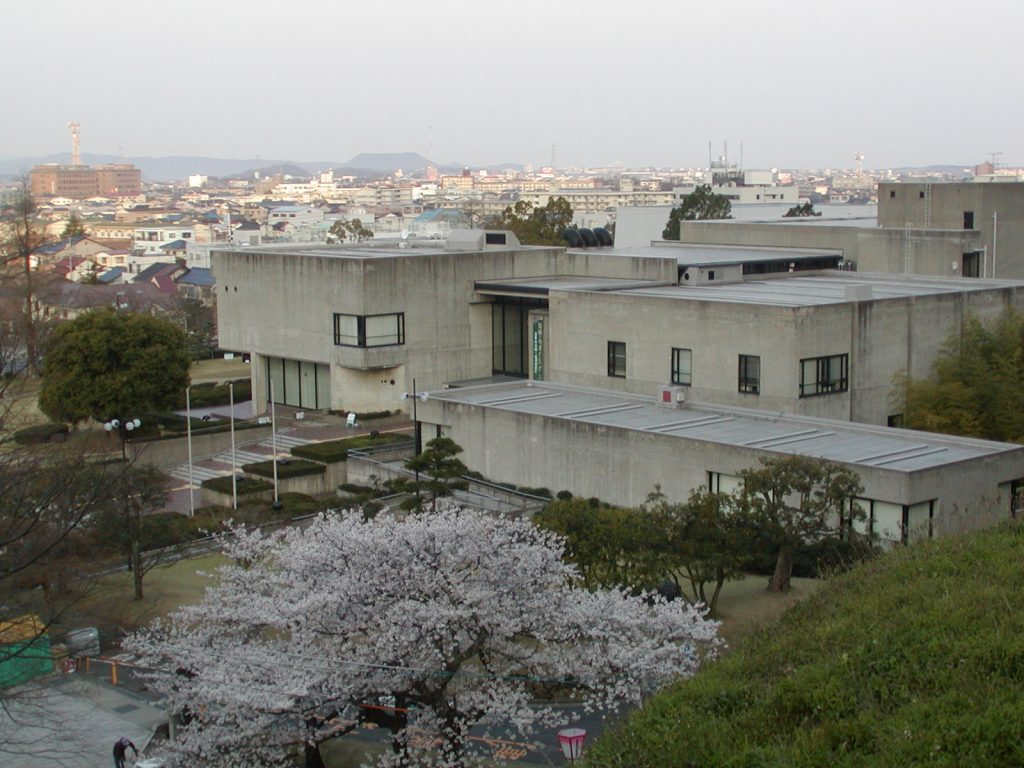 Tottori Prefectural Museum photo provided by Tottori Prefecture